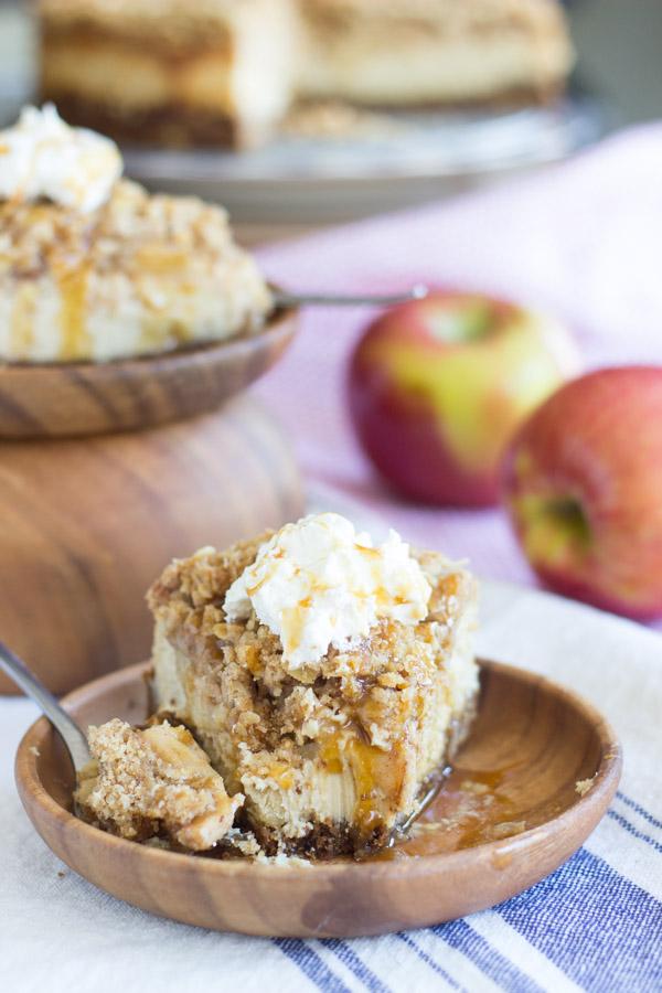caramel apple crisp cheesecake (28)