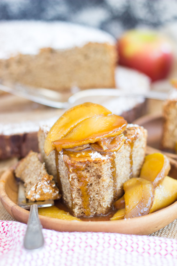 Apple Spiced Olive Oil Cake with Caramelized Apples (21)
