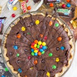 Candy Bar Brownie Pie