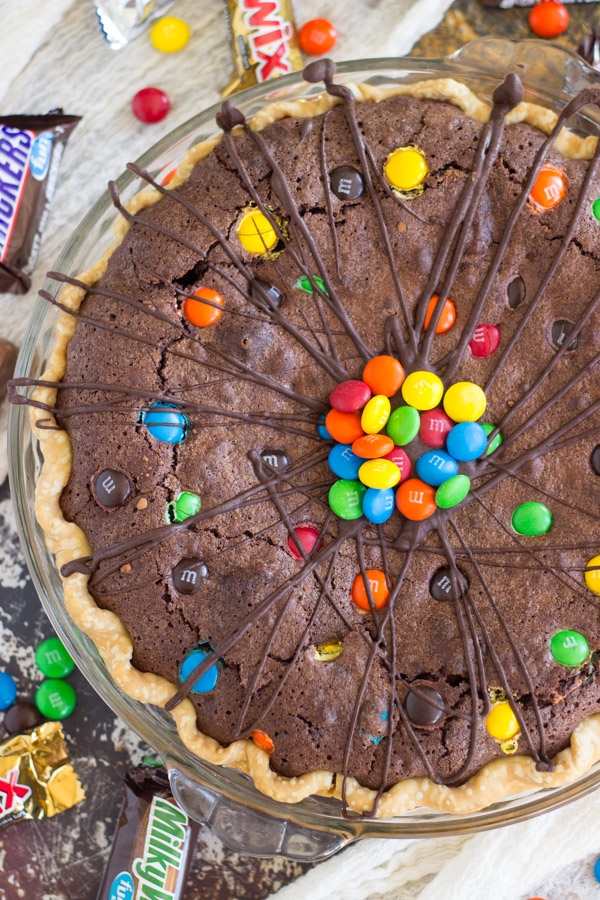 Candy Bar Brownie Pie (4)