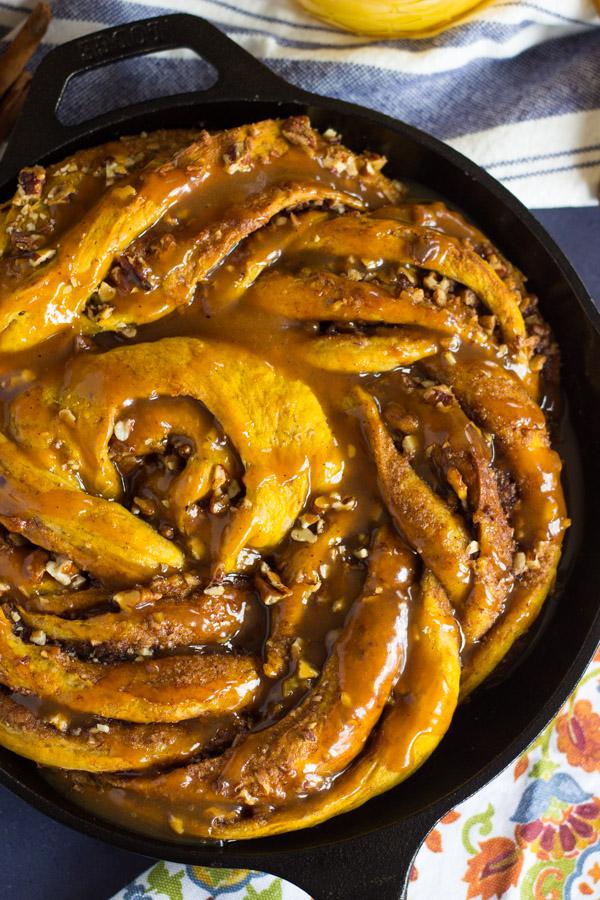Giant Pumpkin Caramel Pecan Skillet Cinnamon Roll (11)
