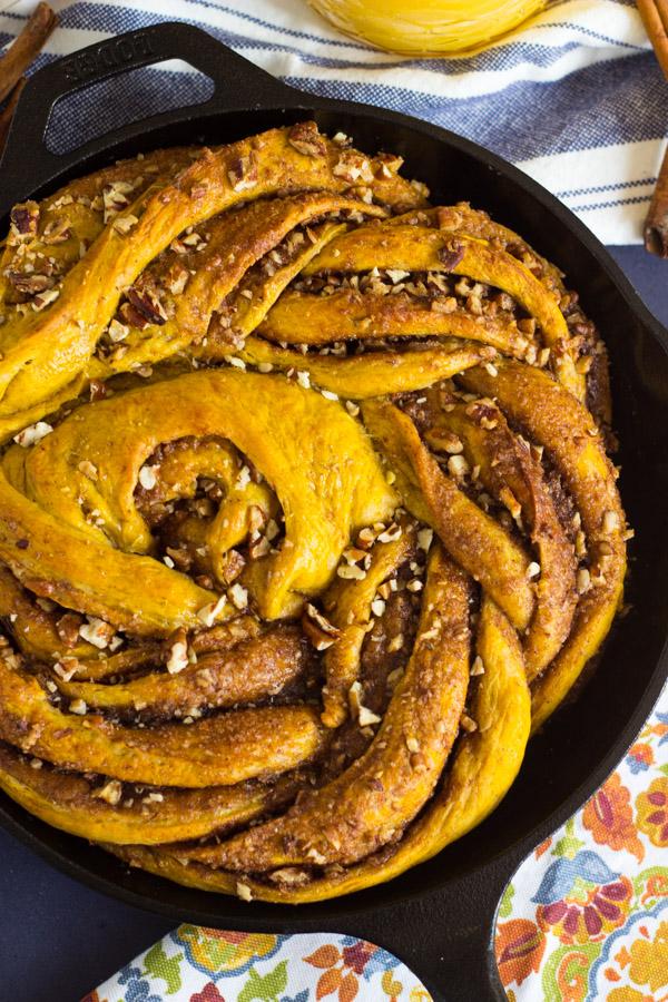 Giant Pumpkin Caramel Pecan Skillet Cinnamon Roll (3)