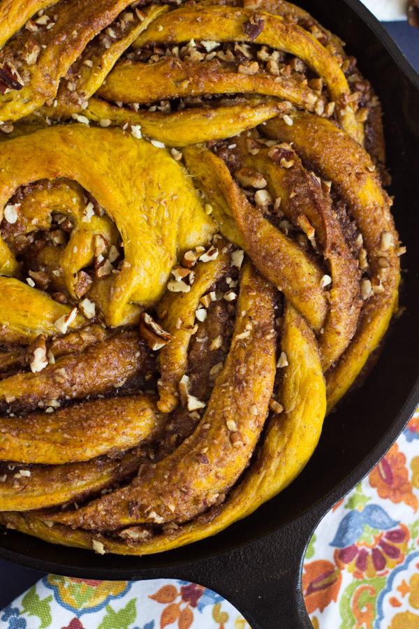 Giant Pumpkin Caramel Pecan Skillet Cinnamon Roll (5)