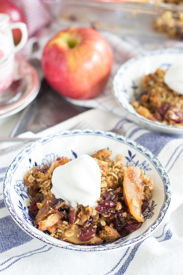 gingersnap-cranberry-apple-crisp-