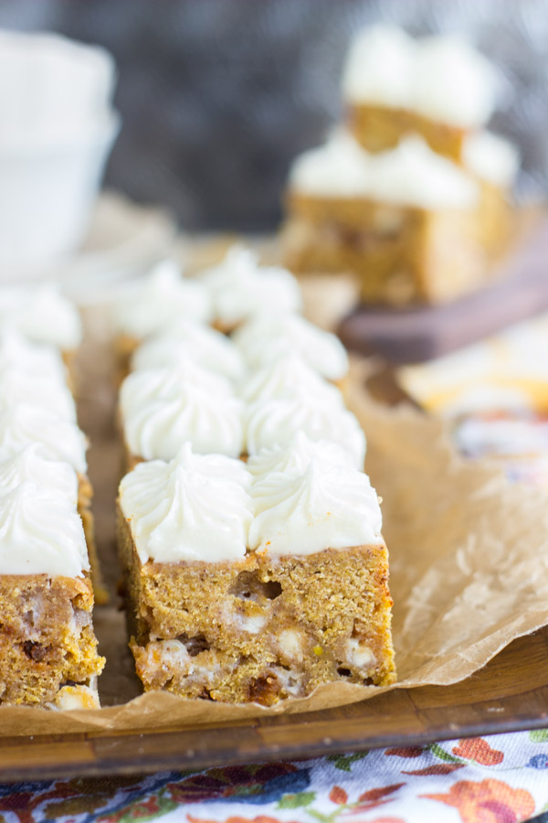 white-chocolate-pumpkin-blondies-with-cream-cheese-frosting-3