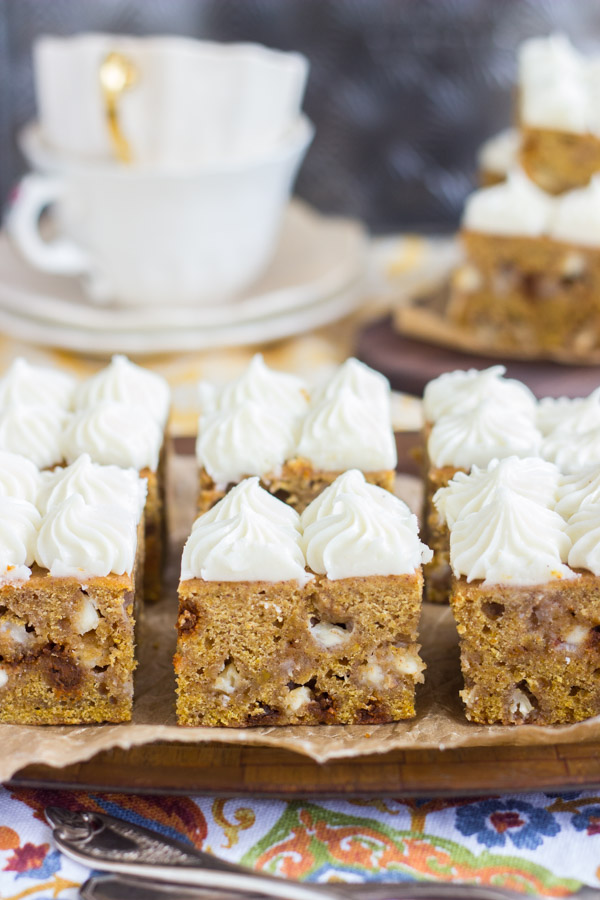 white-chocolate-pumpkin-blondies-with-cream-cheese-frosting-7