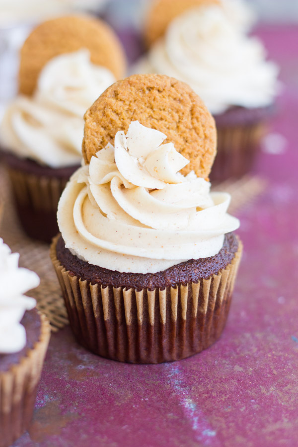 gingerbread-latte-cupcakes-with-brown-butter-frosting-3