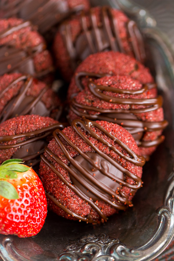 Chocolate-Covered Strawberry Thumbprints (10)