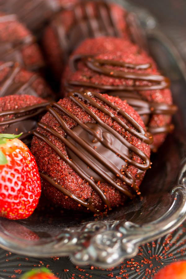 Chocolate-Covered Strawberry Thumbprints (8)