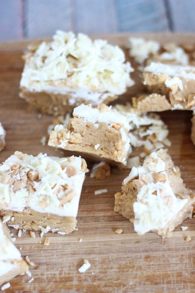 no bake white choc pb cup bars 1