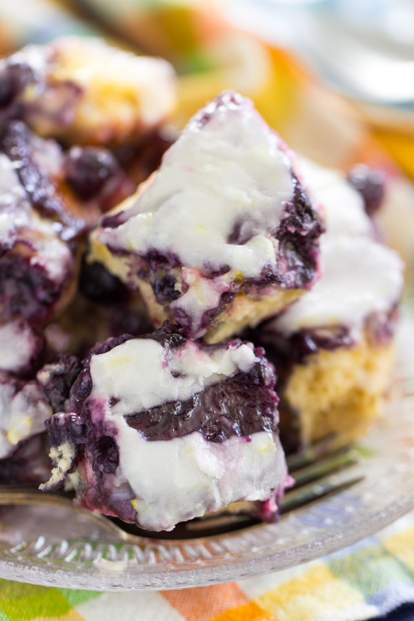 Blueberry Lemon Pull-Apart Bread image thegoldlininggirl.com (12)
