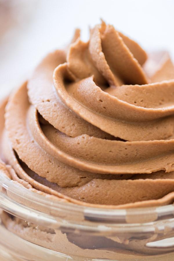 Nutella Buttercream image (20)