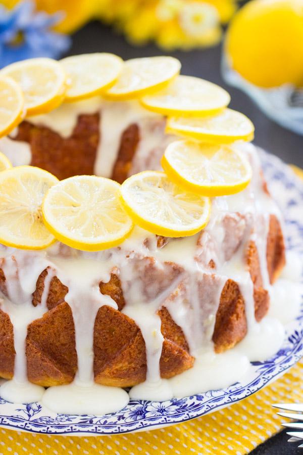 Lemon Bundt Cake image thegoldlininggirl (15)