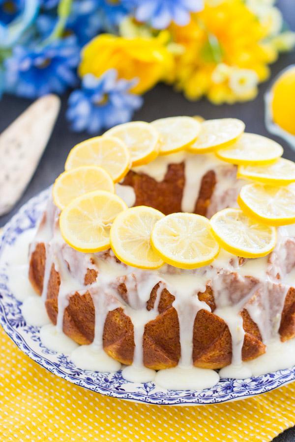 Lemon Bundt Cake image thegoldlininggirl (18)
