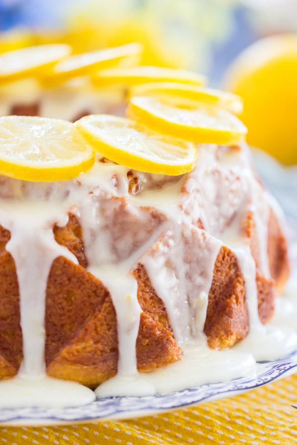 Lemon Bundt Cake image thegoldlininggirl (20)