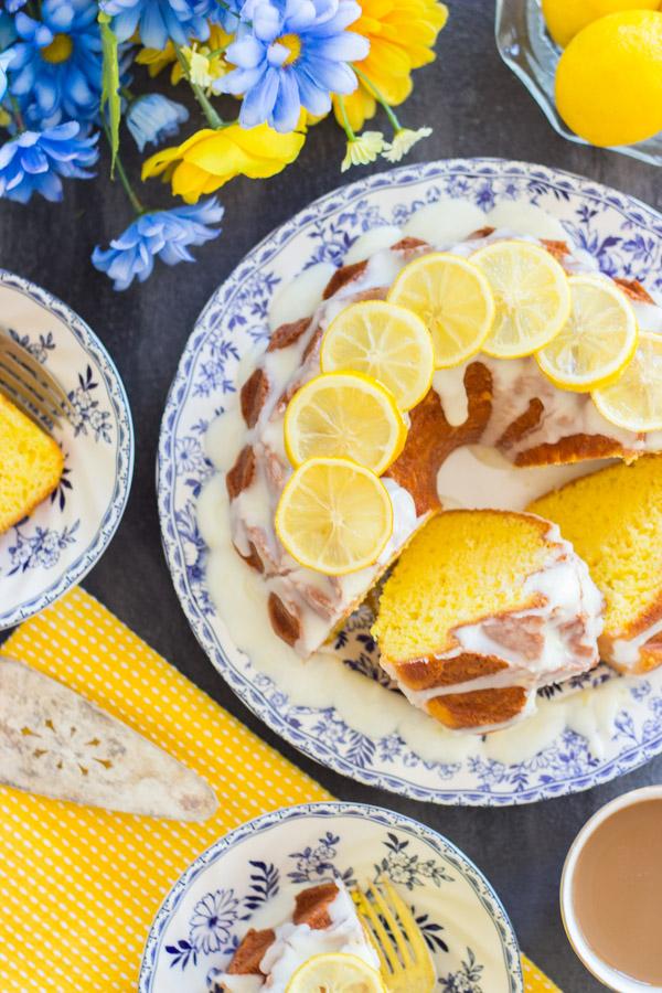 Lemon Bundt Cake image thegoldlininggirl (34)