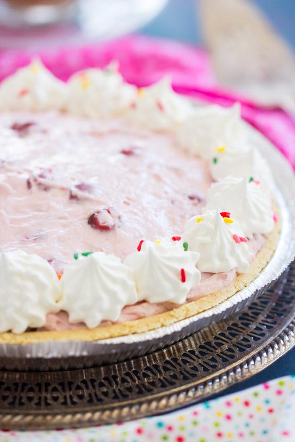 Pink Stuff Cheesecake Pie image thegoldlininggirl (1)