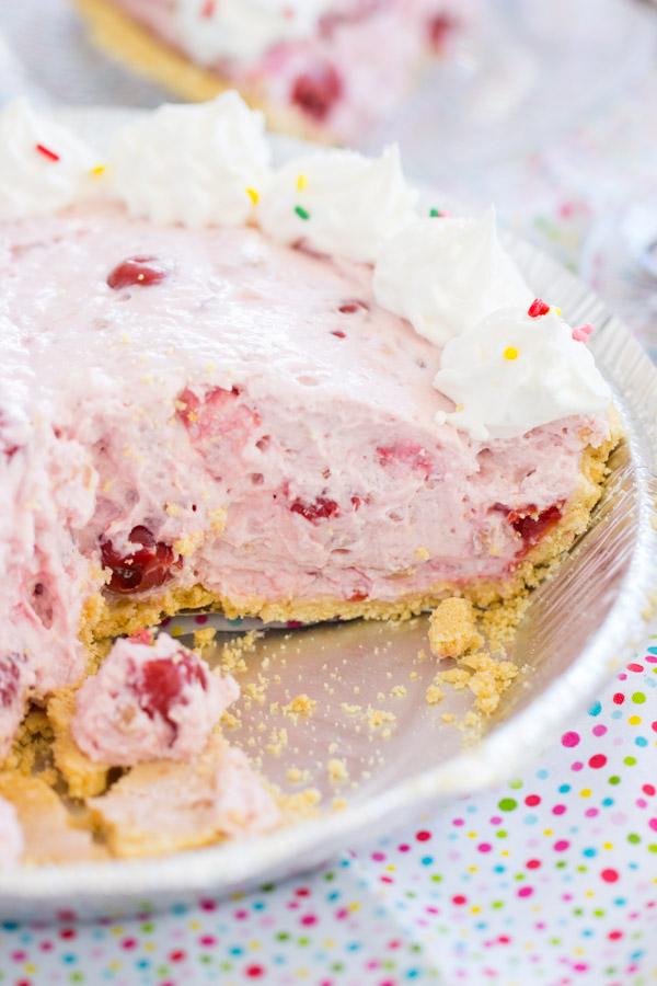 Pink Stuff Cheesecake Pie image thegoldlininggirl (14)