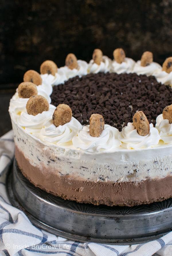 Chocolate-Chip-Cookie-Dough-Ice-Cream-Cake