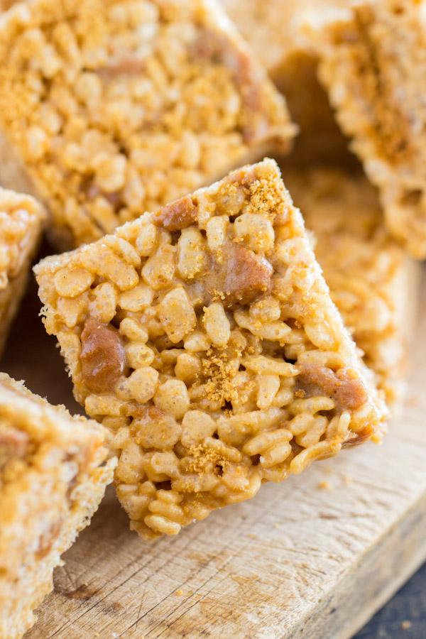 Cookie Butter Rice Krispie Treats image thegoldlininggirl.com 2