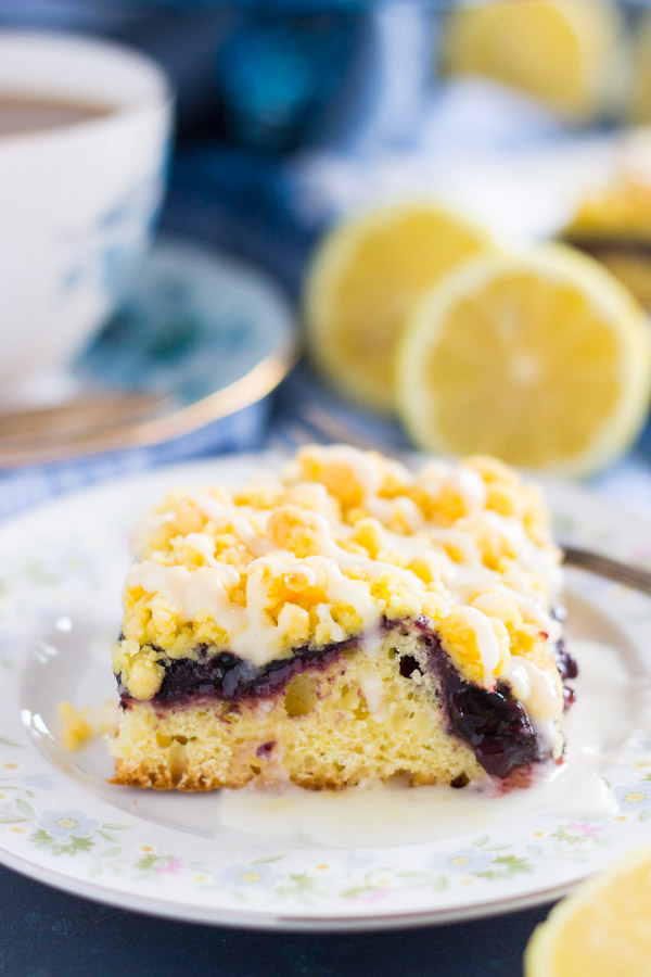 Lemon Blueberry Crumb Bars thegoldlininggirl.com 5