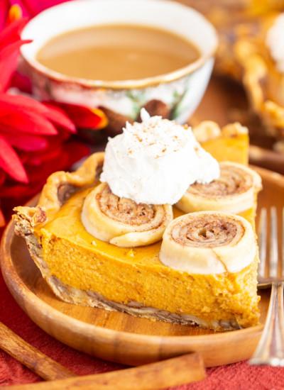 Cinnamon Roll Crust Pumpkin Pie recipe